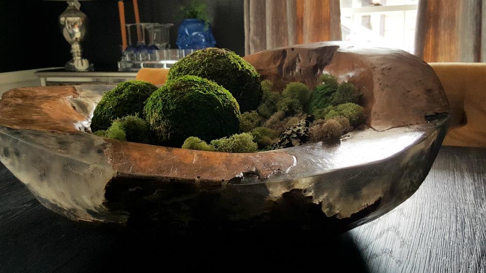 dining room moss centerpiece